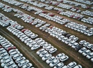 Why are the Chinese buying fewer cars?