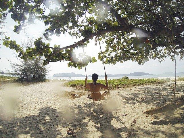 tropical-beach-1149937_640