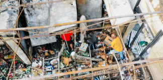 1,000,000 homes no power as Looting breaks out